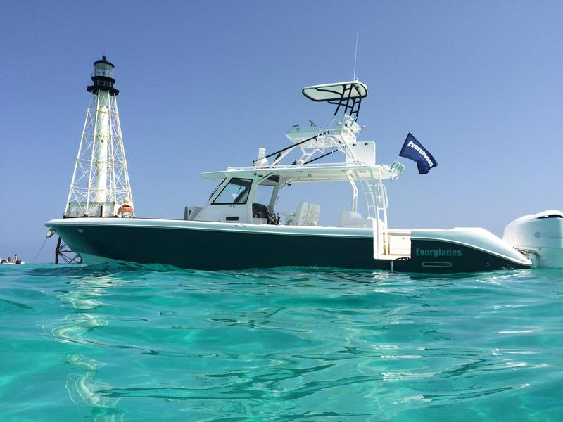 everglades 435CC, center console, yacht works, ocean, bayside, tavernier, boating, offshore, fishing, yamaha outboards, florida, Miami, Alligator Reef Light, diving, snorkeling