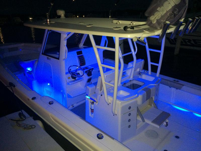 everglades, boats, yacht works, 355 CC, center console, yacht, tavernier, keys, florida,