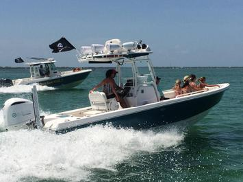 everglades boats, 325CC, yacht works, rendezvous, florida keys, fun, center console, snorkeling, diving