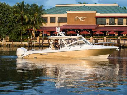Everglades Boats, 360LXC, New, luxury, boat, yacht, cruising, yacht works, tavernier, florida, keys, Miami